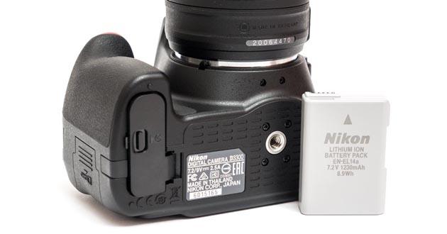 Nikon d3300 батарейный отсек