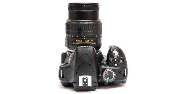 Nikon d3300 имеет выдвижной объектив