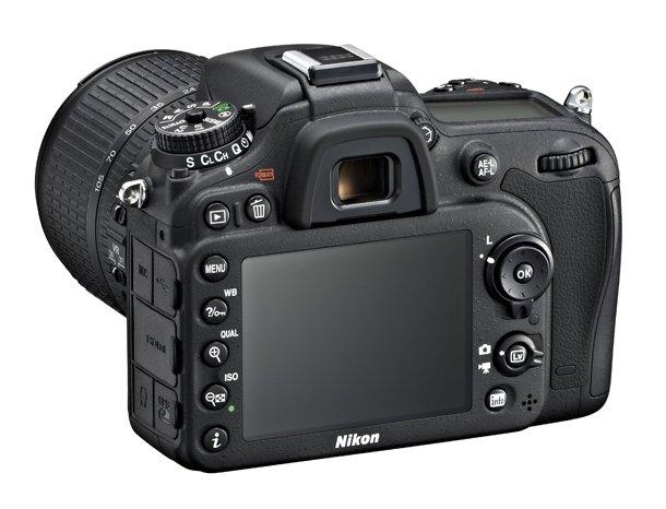 Nikon_D 7100_vs_Olympus_E_P5_ergonomika